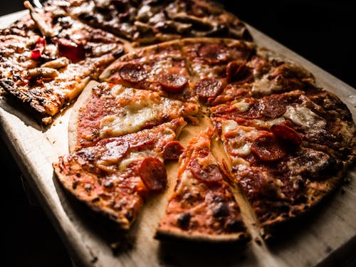 How to Get a Crisp Pizza Crust: 3 Factors That Matter